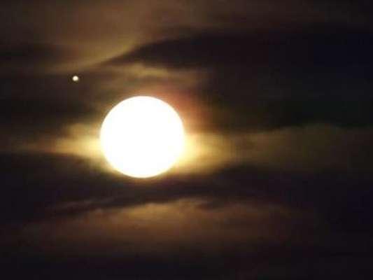 La noche del miércoles se pudo observar a simple vista uno de los espectáculos astronómicos más impactantes de los últimos años.