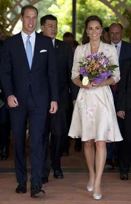 El príncipe Guillermo y su esposa están esperando su primer hijo, anunciaron Funcionarios del palacio.
