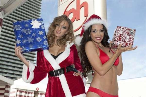 Toda la sensualidad y el encanto de las candidatas a Miss Universo sube el calor de la temporada y da inicio a las fiestas. Aquí Miss Georgia y Miss Nicaragua