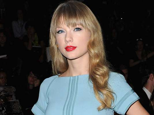 When it comes to love, it's tough being Taylor Swift. The 22-year-old songtress is prime believer in love at first sight and as a result, she is in a perpetual state of heart break that serves as great material for her songwriting. In recent time she's had her eye on UK guys, first Harry Styles of One Direction and now that that's over, songwriting buddy Ed Sheeran is rumored to be dating Swift. Let's take a look at the young men who've touched Taylor's heart before this British Invasion came into her life.