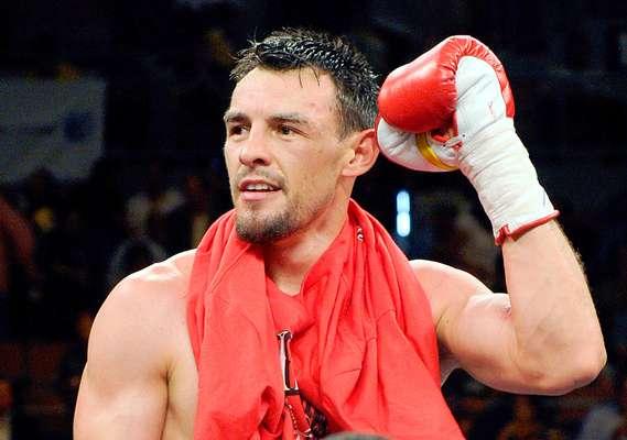 Robert Guerrero; País: U.S.A.; Récord: 31-1-1 (18 KOs)