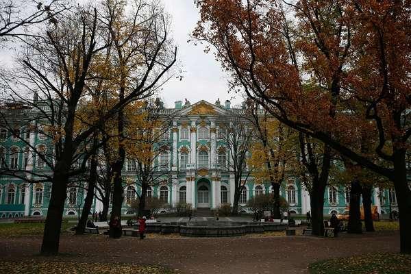 Museu Hermitage, que abriga uma das maiores coleções de arte do mundo