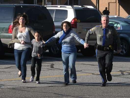 Antes de la matanza de 20 niños en una escuela primaria de Connecticut, Luke Schuster, de 6 años, fue asesinado a tiros en Dakota del Norte, John Devine hijo y Jayden Thompson, ambos de 6 años, fueron muertos de manera similar en Kentucky y Texas.