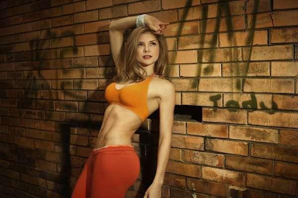 Angélica Jaramillo: Esta caleña que se hizo famosa gracias a 'Protagonistas de nuestra tele', no solo se destacó por su talento sino también por su gran belleza. Su cuerpo tonificado y su cara angelical, hicieron de esta colombiana una de las mujeres más sensuales del 2012.