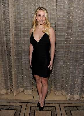 """POR OLIVIA O'GAM. Britney Spears será despedida de """"X Factor"""" porque los productores la consideran aburrida. Si trasladamos este hecho a su outfit nos daremos cuenta que este 2012 la rubia se estancó en cuestión de estilo."""