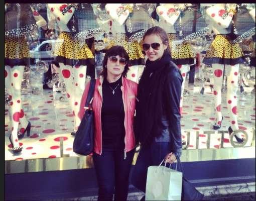 POR OLIVIA O'GAM. Las modelos más famosas de las pasarelas comenzaron el 2013 con muy buenos propósitos. ¡Checa dónde andan!La rusa Irina Shayk no perdió el tiempo y está de compras en París.