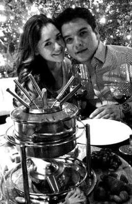 Sherlyn confirmó su noviazgo con Gerardo Islas a través de Twitter, el joven es líder del partído Nueva Alianza en Puebla. La actriz de 'Amores Verdaderos' se sumó sí a la larga lista de romances entre famosas y políticos.
