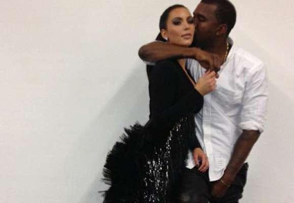 Kim Kardashian dijo estar muy feliz de anunciar que espera su primer hijo con su pareja, el rapero Kanye West. Pero parece que la felicidad no es contagiosa en este caso, ya que tras el anuncio, a Kim le han llovido críticas y ataques por twitter, que terminaron involucrando a su famosa familia y a toda la prensa.