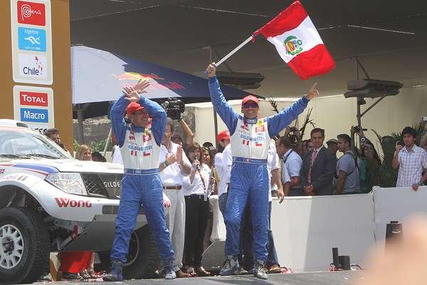 El piloto Ramón Ferreryros fue el más ovacionado por el público peruano. El nacional corre su primer rally Dakar en un año muy especial, en el cual cumple 30 años como corredor de autos.