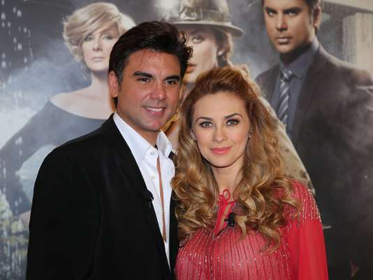 Aracely Arámbula y Jorge Luis Pila presentaron la telenovela 'La Patrona' ante la prensa latina en un hotel de Los Ángeles.