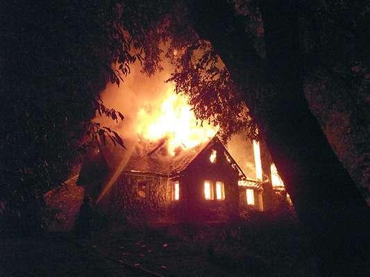 Los ataques incendiarios en Chile continúan. La madrugada de este miércoles se registró uno más en una escuela rural de la localidad de Collipulli, en la región mapuche de La Araucanía.