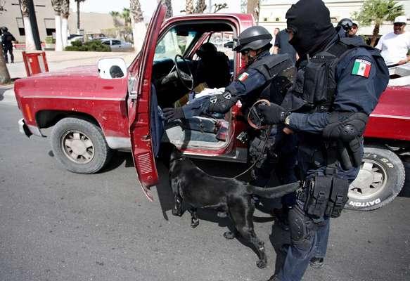 Las autoridades de Ciudad Juárez, en el norteño estado mexicano de Chihuahua, informaron hoy que el 40 % de sus policías sufre de obesidad y al menos 80 % de sobrepeso, por lo que los agentes fueron puestos a dieta.