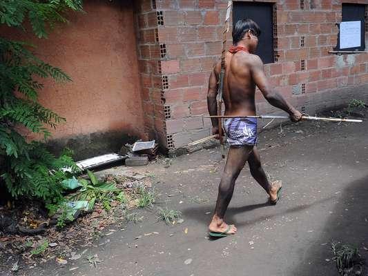 Índios que vivem no antigo Museu do Índio viveram mais um dia de tensão nesta quinta-feira
