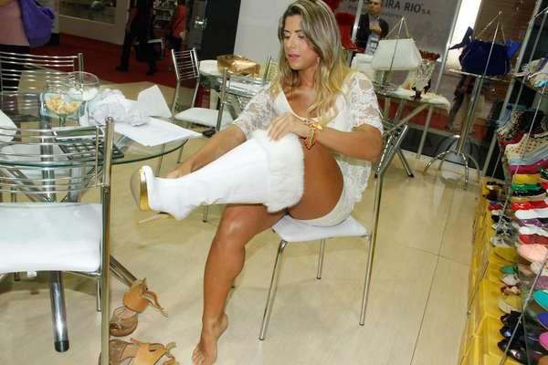 Ana Paula Minerato foi mais uma famosa a marcar presença nesta edição da Couromoda