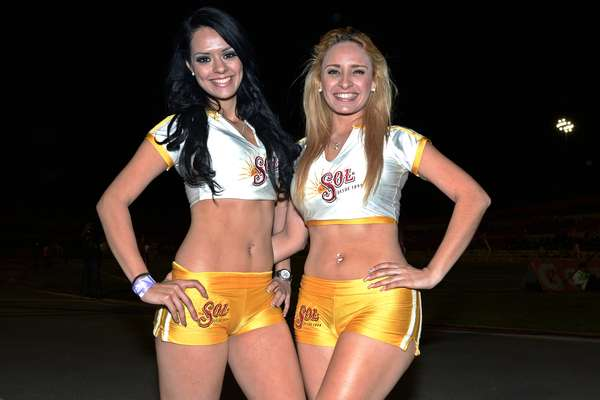 Beautiful cheerleaders added color and beauty to Round 3 of Liga MX