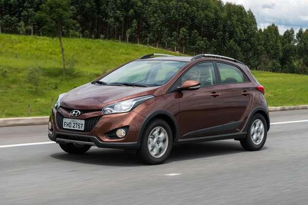 Cerca de quatro meses depois de lançar seu primeiro hatch compacto nacional, nem mesmo o tempo de uma gestação, a Hyundai apresentou o segundo membro da família HB, o crossover HB20X