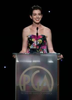 Anne Hathaway fue una de las presentadoras de los premios PGA en donde la película en donde actúa, 'Les Misérables', desafortunadamente no ganó el máximo galardón de la noche