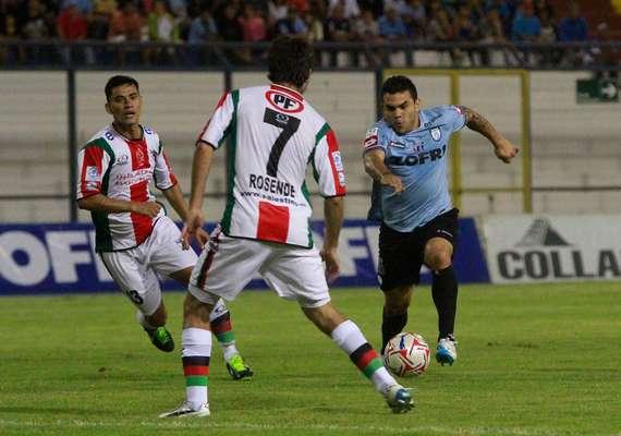 """Iquique y Palestino igualaron sin goles en su primer encuentro, el que se disputó en la Primera Región. Los """"Dragones Celestes"""" suman una nueva igualdad, al igual que lo ocurrido en Copa Libertadores."""