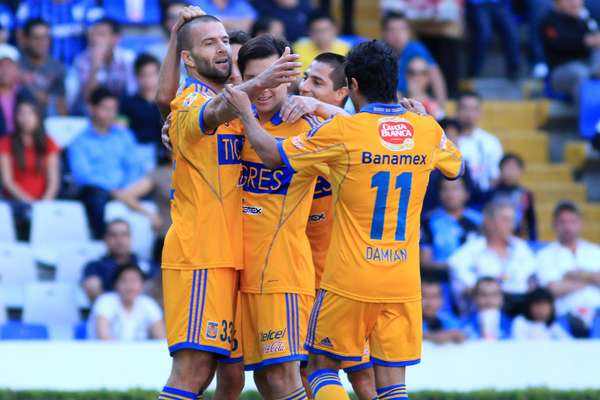 Tigres defeated Queretaro 2-0 with goals from Emanuel Villa and Danilinho.