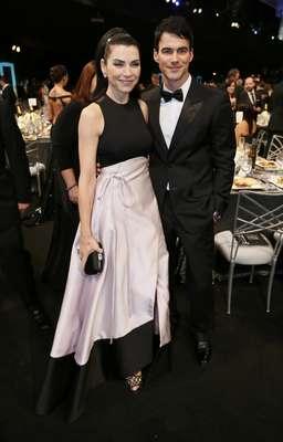 """Julianna Margulies se hizo acompañar por su esposo Keith Lieberthal. ¿En realidad será """"The Good Wife""""?"""