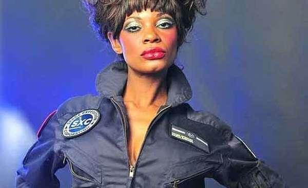 Coco Brown, también conocida como Honey Love quiere convertirse en la primera actriz porno y en la segunda mujer afroamericana en ir al espacio.