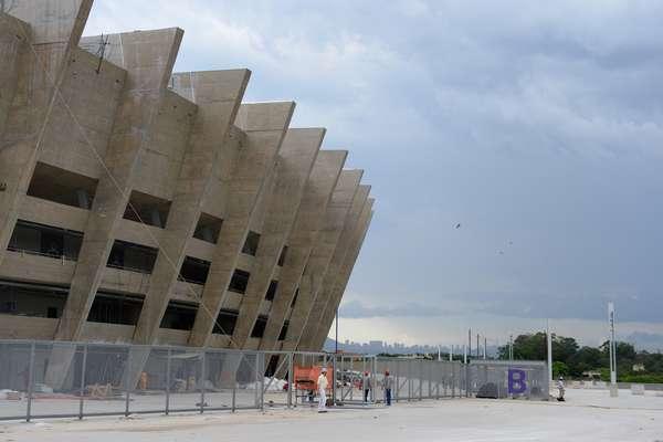 Este sábado las autoridades de Minas Gerais entregaron e estadio de Belo Horizonte, pero aún faltan detalles para dejar listo al inmueble.