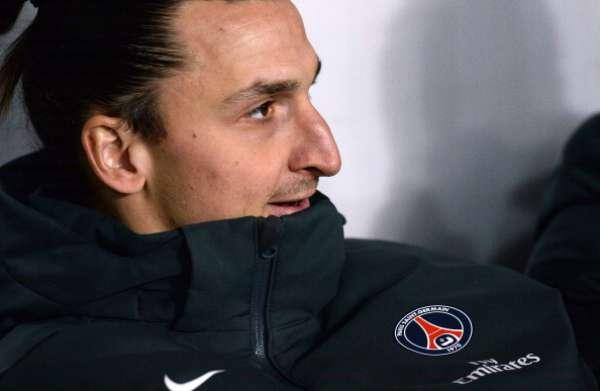 Zlatan Ibrahimovic empezó en el banquillo.