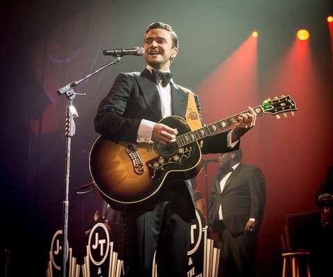 """Justin Timberlake cantará en televisión por primera vez en 6 años cuando se suba al escenario de los premios Grammy el próximo 10 de febrero. El astro del pop de 32 años volvió a la música en enero con el sencillo """"Suit & Tie"""", con la colaboración de Jay-Z. La canción está entre las cinco más populares de la lista Hot 100 de Billboard."""