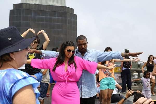Kim Kardashian y el rapero Kanye West, conocieron el Cristo Redentor en la mañana del sábado, en Río de Janeiro.
