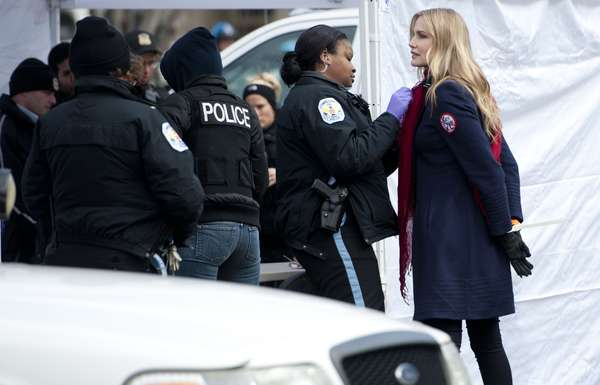 La actriz Daryl Hannah y otros manifestantes fueron arrestados frente a la Casa Blanca en una protesta contra la construcción del oleoducto Keystone XL, que se extenderá entre Canadá y la costa del Golfo de México, informaron los medios locales.