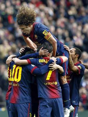 Barcelona had to come from behind to beat Granada 2-1.