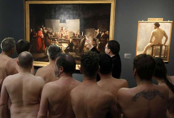 "During an exhibit about nudes, bodies tend to be exposed on paintings on the walls, and not walking from room to room as they were brought into this world. But a museum in Vienna decided that during an exhibition ""Nude Men"", it will allow people starting on March 4 to walk the installations without clothes."