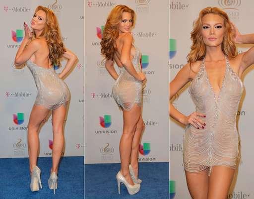 La ex Miss Universo 2006, Zuleyka Rivera, nos sorprendió con su figura y cambio radical. En este mini vestido lució un ¡cuerpazo!
