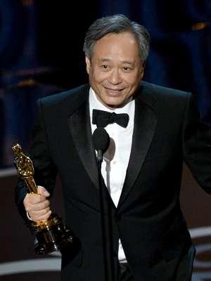 El director taiwanés Ang Lee se llevó su segundo Oscar como Mejor Director en tres nominaciones, lo que lo convierte en uno de los directores más importantes de nuestros tiempos. Su carrera inició en 1992 con la película 'Pushing Hands', a continuación un repaso por lo mejor de ella.