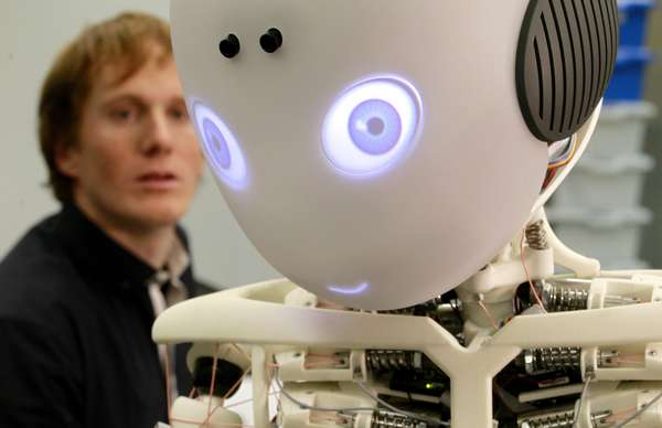 Robot Humanoide 2012 un Robot Humanoide Niño