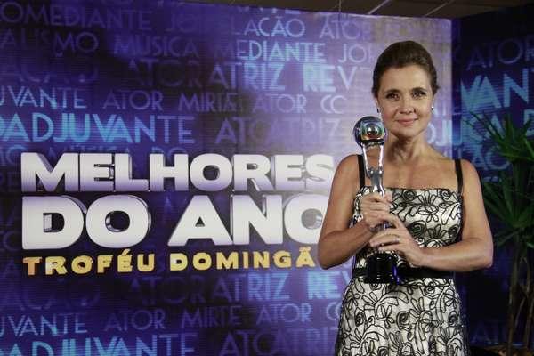 Famosos participam da 17° edição do prêmio 'Melhores do Ano', no Domingão do Faustão. Adriana Esteves levou o prêmio de melhor atriz, pela atuação como Carminha, em 'Avenida Brasil'