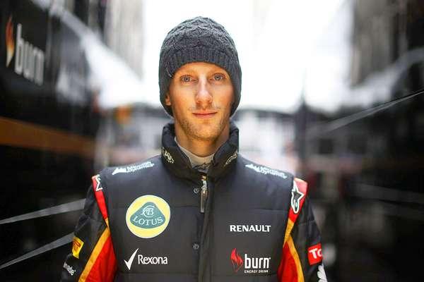 Romain Grosjean (Lotus). El francés es uno de los pilotos más agresivos de la máxima categoría, esto le ha dado muchos dolores de cabeza a su jefe Eric Boullier, tras su desastrosa temporada del 2012. Grosjean es rápido, es fino en su manejo y tiene buen auto, lo malo es que no ha aprendido a controlar su agresividad para rebasar en sus carreras.