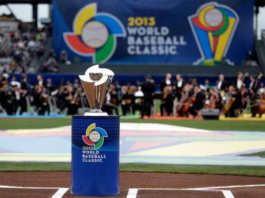 Este es el trofeo del Clásico Mundial de Beisbol que disputaron República Dominicana y Puerto Rico en el AT&T Park de San Francisco.