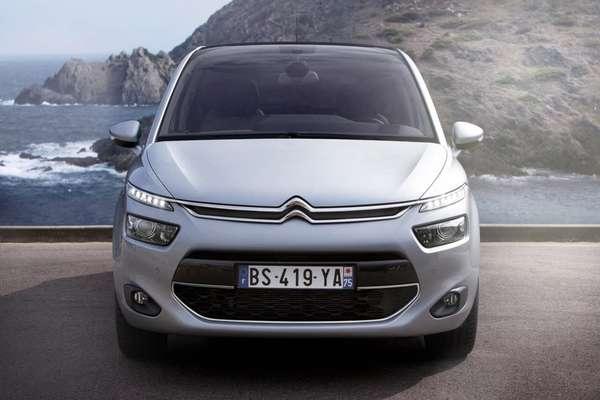 A Citroën divulgou nesta terça-feira imagens no novo C4 Picasso, que deve chegar ao Mercado europeu no segundo semestre deste ano