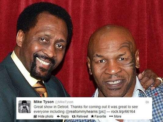 Fue un flashback en Motown cuando Mike Tyson y Tommy 'Hit Man' Hearns se cruzaron después del one-man show de Iron Mike.