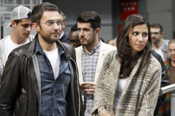 El Real Madrid de baloncesto reunió a muchos rostros conocidos este fin de semana. El equipo en el que juega Rudy Fernández se enfrentó, en la Liga Endesa ACB, al Blusens Monbus. Los periodistas Maxim Huerta y Ana pastro fueron algunos de los asistentes.
