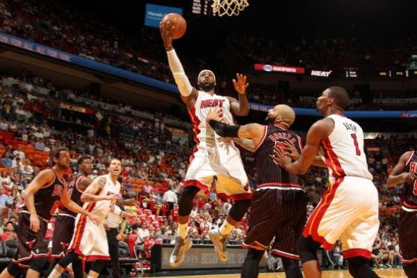 LeBron James, probablemente el mejor jugador de la temporada, busca su segundo anillo