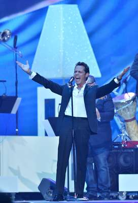 """Marc Anthony hizo el debut en vivo de su nuevo hit """"Vivir mi vida"""", sobre la tarima Premios Billboard a la Música Latina 2013, realizados el 25 abril desde el BankUnited Center de la Universidad de Miami."""