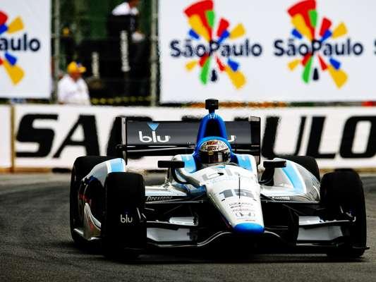 O norte-americano Graham Rahal foi o piloto mais rápido do warm-up da São Paulo Indy 300, etapa nacional da Fórmula Indy, disputado na manhã deste domingo. Nos segundos finais de atividade, ele rodou a 1min21s2494 e tomou a liderança da sessão de aquecimento para a corrida no Anhembi. Veja mais fotos da sessão: