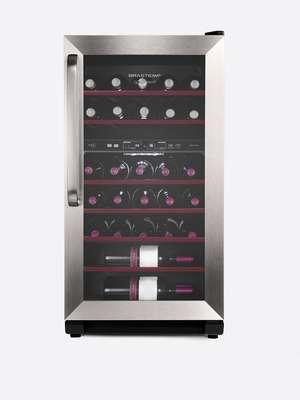 Adega de dupla temperaturaA adega Dual Zone Brastemp tem capacidade para 31 garrafas e possui dois compartimentos separados com controle de temperatura independente. Por isso, é possível armazenar simultaneamente dois tipos diferentes de vinho entre tinto (15°C a 18°C), rosé (12°C a 14°C), branco e espumante (ambos entre 8°C a 11°C). O produto, com tecnologia wine expert, ainda garante controle de umidade e baixa vibração para melhor conservação da bebida. Preço sugerido: R$ 2.299 Informações: 3003-0099 (capitais e regiões metropolitanas) e 0800-970-0999 (demais localidades)