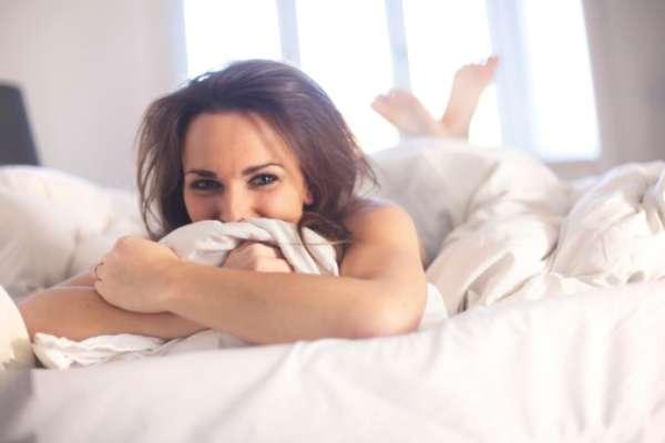 La masturbación femenina debe dejar de ser un secreto, para convertirse en un efectivo método que permita a las mujeres conseguir confianza y seguridad en sí mismas, aprendiendo sobre el propio cuerpo y sus necesidades; además brindarles placer.