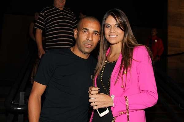 Emerson Sheik foi à festa acompanhado da namorada uruguaia Maria Ramos