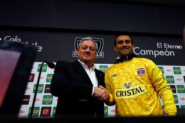 Se trata del portero Justo Javier Villar -con quien se arregló en horas de la tarde- y Fabián Benítez, que ya entrenó con sus compañeros. La presentación estuvo a cargo de Arturo Salah, quien no escatimó loas para ellos.