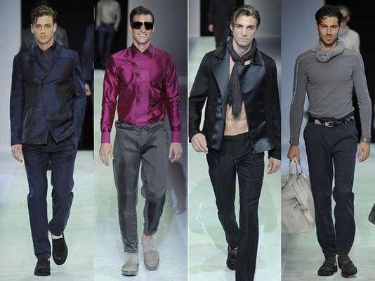 Durante su participación en la semana de la moda masculina de Milán, Armani se alejó de la tendencia hacia femenino y eligió prendas satinadas en colores gris, azul medianoche, blanco y negro. En su trabajo estival brillaron algunos colores vivos como el rosa y azul pero sin perder la sobriedad que caracteriza a la marca.