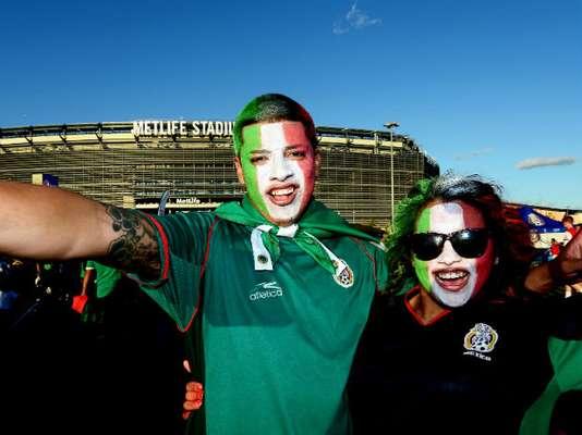 Quizá no fue la gran entrada que todos esperaban en el Metlife Stadium, pero los aficionados mexicanos si que saben siempre disfrutar cuando el Tri juega en Estados Unidos.